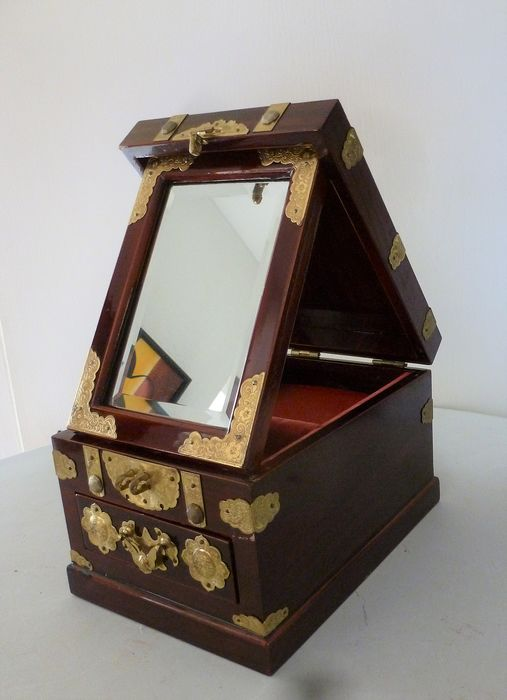 Beautiful jewelry cabinet with folding mirror and brass decoration - wood - brass