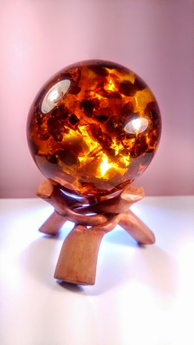 Amber (fossilized resin) Sphere on wood stand - 9×9×9 cm - 495 g