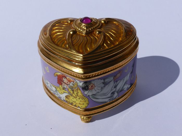 House of Fabergé - Collector Music Box (1) - Porcelain - 22k Gold Plated Finish
