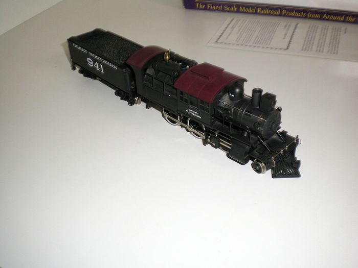 International Hobby  H0 - 23166 - Steam locomotive with tender - 2-6-0 t - Great Northern