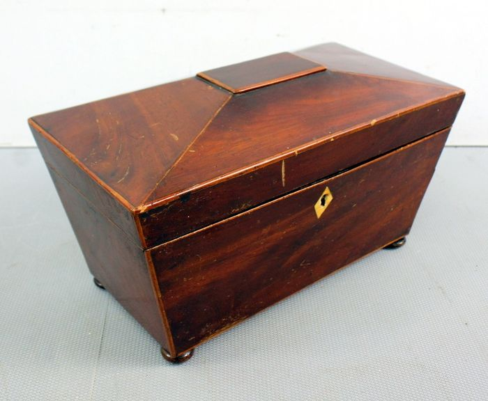 Tea caddy - Mahogany - mid 19th century