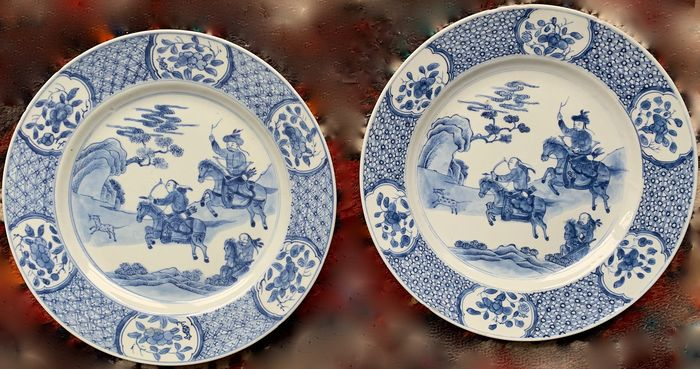 Dish (2) - Blue and white - Porcelain - Hunter and horse - China - Kangxi (1662-1722)