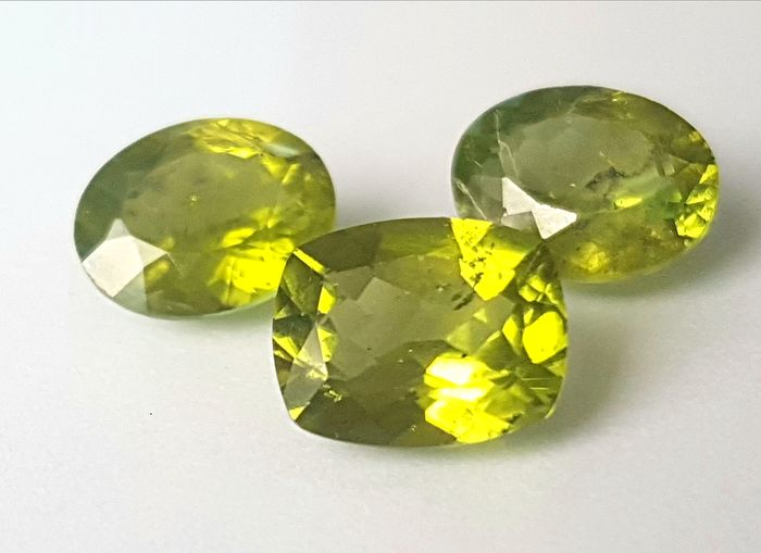 3 pcs  Peridot - 8.75 ct