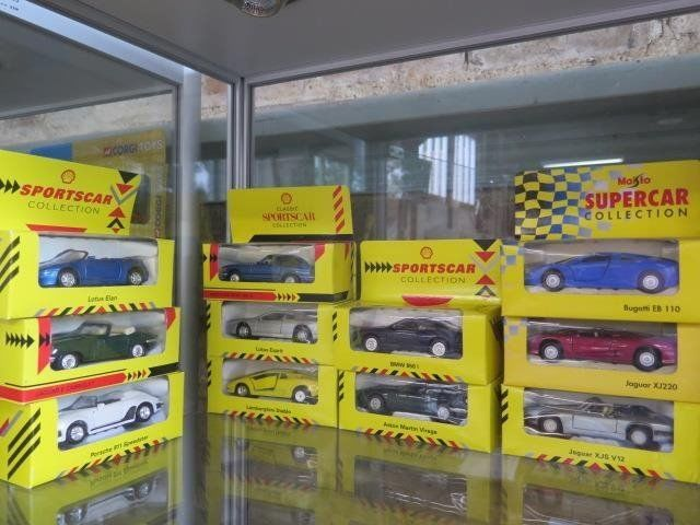Eleven Separate Models - 1/38-1/30 - Lot with 12 Shell Collection Models
