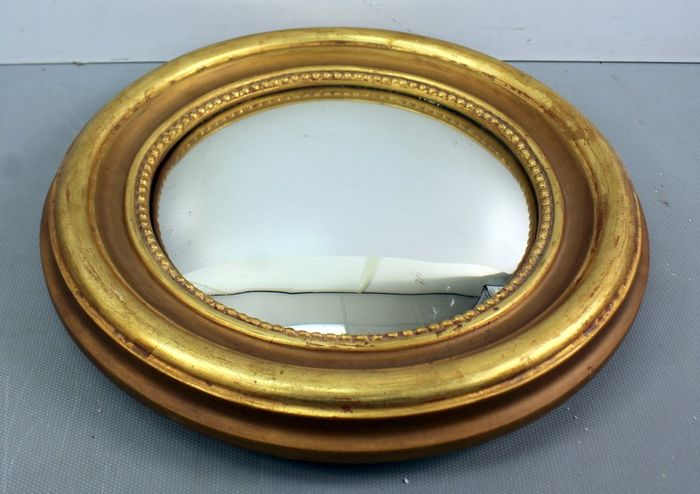 Butler mirror in gilt wooden frame with pearl edging
