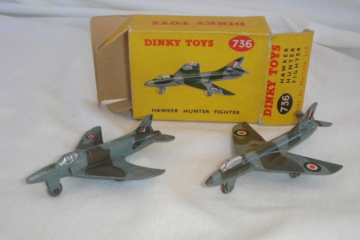 """Dinky Toys - 1:48 - First Issue """"R.A.F. Hawker Hunter"""" Fighter no.736 - 1955 - In New Series Original box - R.A.F. Vickers """"Supermarine Swift Fighter"""" no.734 - 1955"""