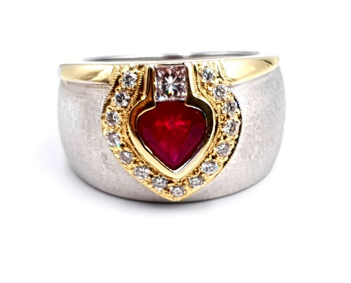 18 kt. Gold - Ring - 1.08 ct Ruby - Diamonds
