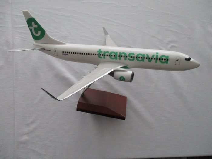 Boeing 737 800 aircraft scale model Transavia airline - Plastic, metaal en hout