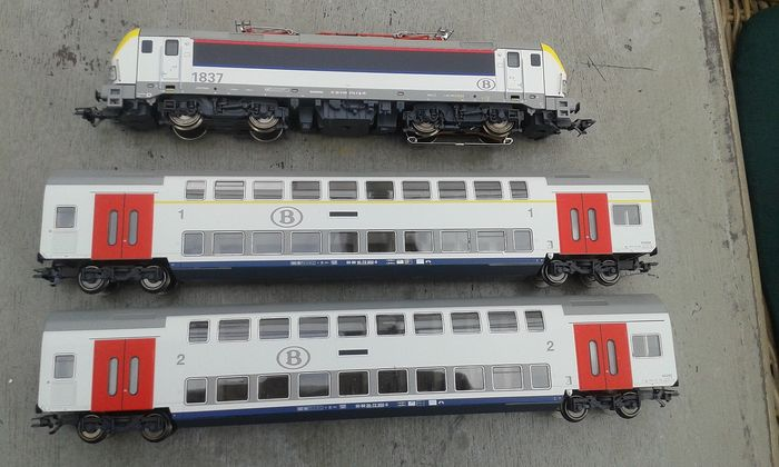 Märklin H0 - 29474 - Electric locomotive, Passenger carriage - Siemens Vectron HLE 18 with 2 double-decker cars - NMBS