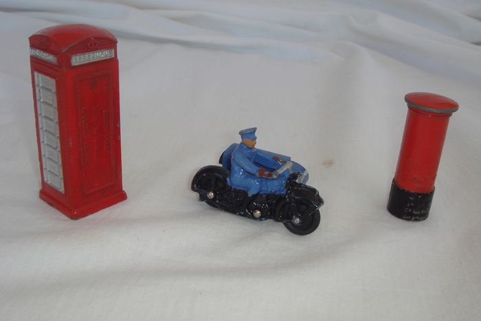"Dinky Toys - 1:64 - First Post-War Issue ""R.A.C. Motor Cycle Patrol"" no.43b - 1946 - Post-War ""Telephone Box"" no.12c - 1946 & Pillar Box ""E.R."" no. 760 - 1954"