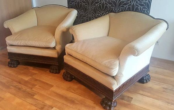 Pair of Lion paw Armchairs