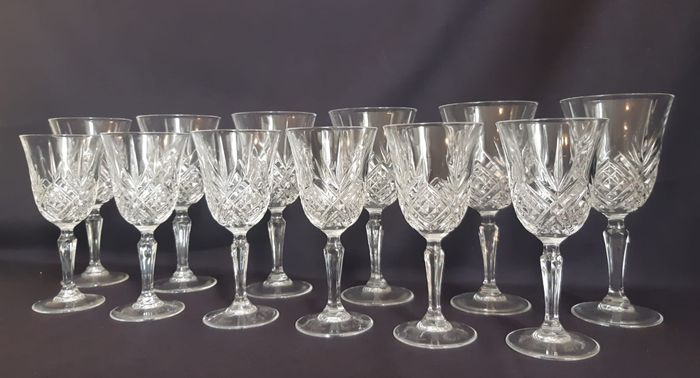 6 Red Wine & 6 White Whine Glasses Dublin Cut (12) - Crystal