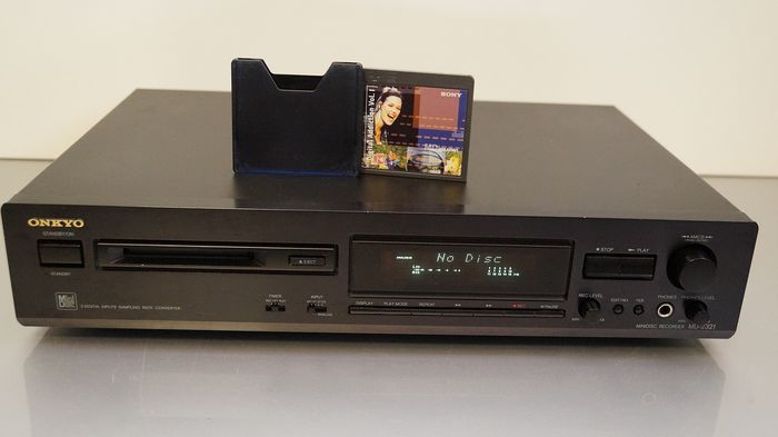 Onkyo - MD 2321 with unique demo disc - Mini Disc Player
