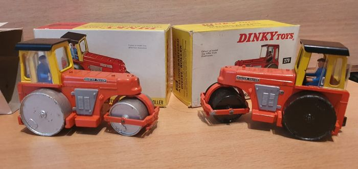 Dinky Toys - 1:55 - nr. 279  2 stuks Aveling-Barford Diesel Roller - in 2 colors and 2 different packages