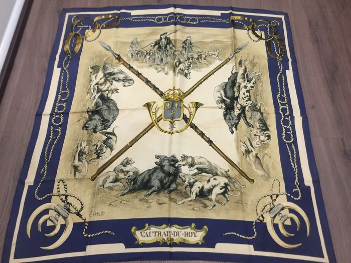 """Hermès -  COLLECTOR VERY RARE Hermes Scarf """"Vautrait du Roy"""", designed by Charles Jean Hallo, issued in 1966. Scarf"""