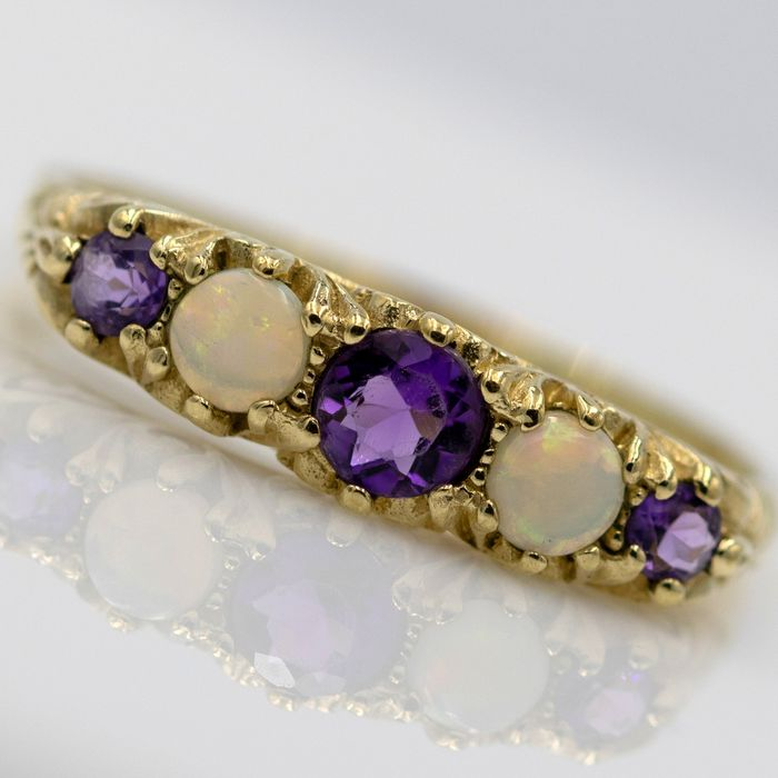 9 kt. Yellow gold - Ring - 0.24 ct Amethyst - Opal