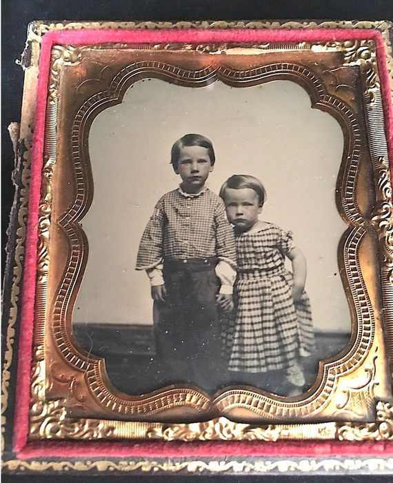 ambrotype - Very old portrait frame of two brothers , Early 19th century-Leather case