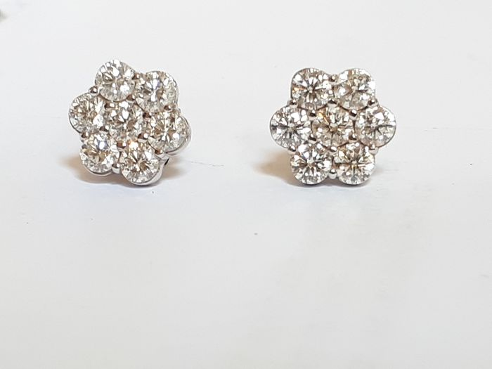 18 kt. White gold - Earrings - 2.67 ct Diamond