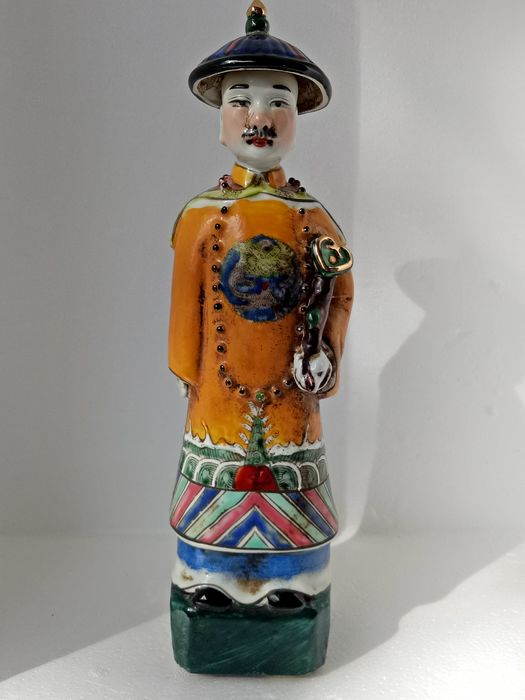 Statue - Porcelain - China - Late 20th century