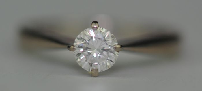 (Certified) Solitaire Diamond (0.50ct) SI2 Colour H - 18 kt. White gold - Ring