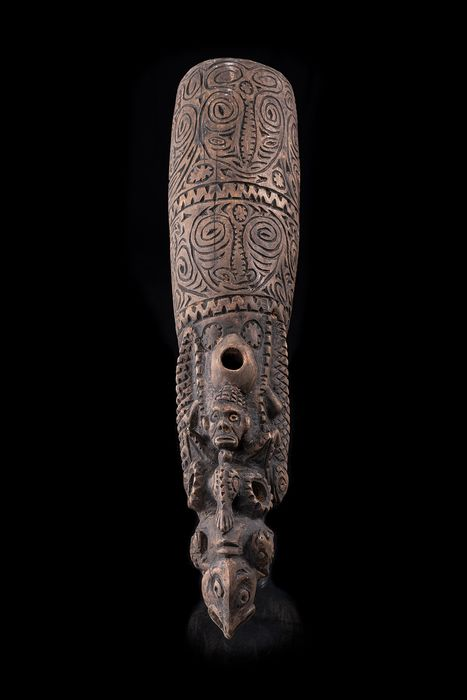 Ceremonial trumpet for headhunting, bugle (1) - Wood - Iatmul - Sepik (central), Papua New Guinea