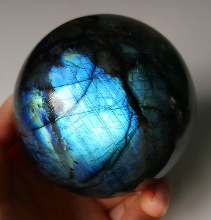 Blue Labradorite ball Sphere - 69×69×69 mm - 472 g