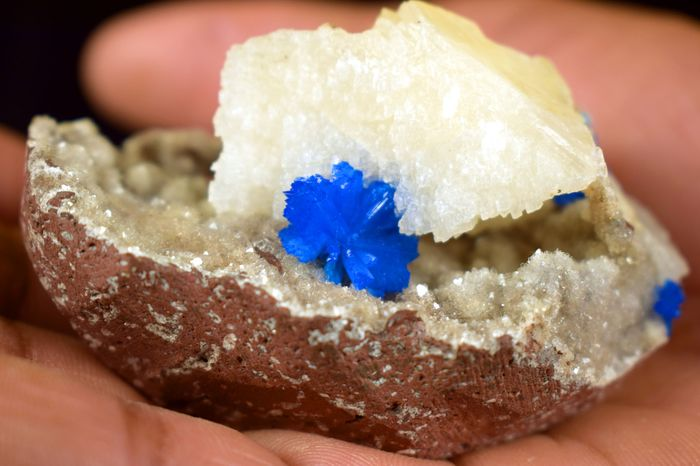 Cavansite with calcite on hulandite matrix  - 3×7×4 cm - 60 g - (1)