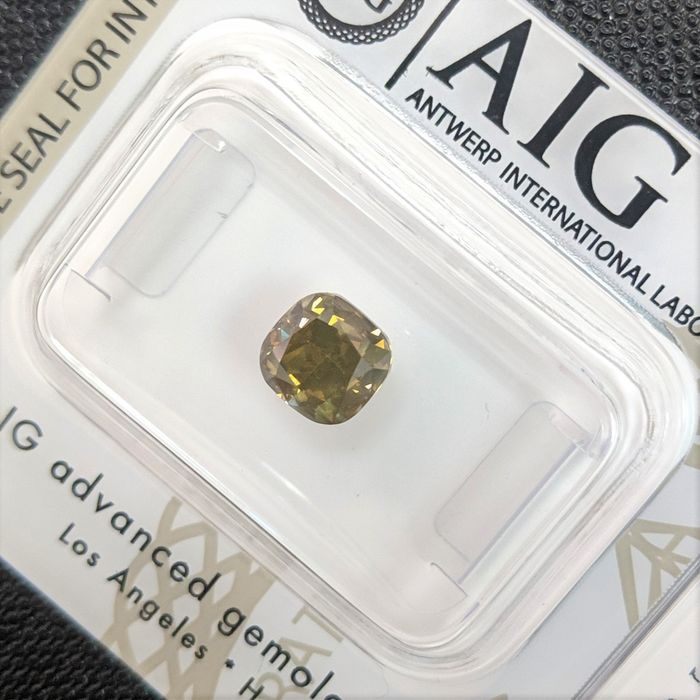 Diamond - 1.33 ct - Cushion - Fancy Intense Brownish Yellowish Green - SI3, No Reserve Price