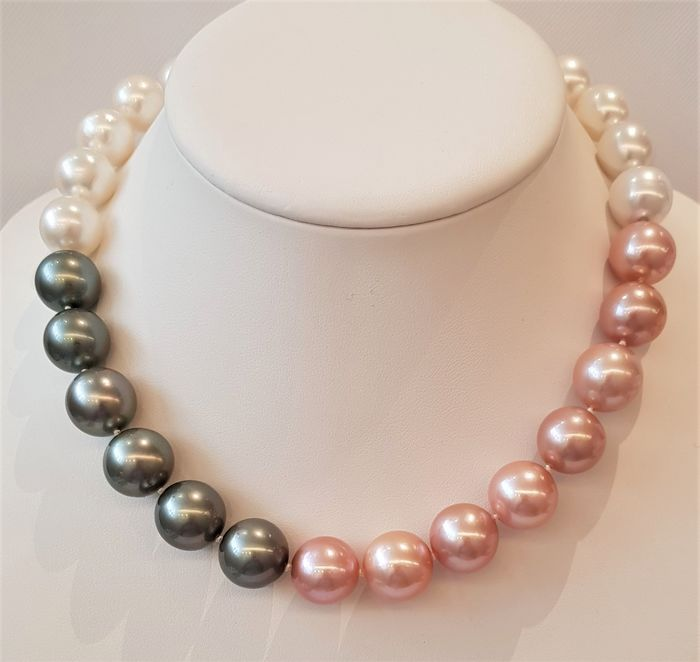NO RESERVE PRICE - 18 kt. White Gold - 13x15mm Round Saltwater Pearls - Necklace