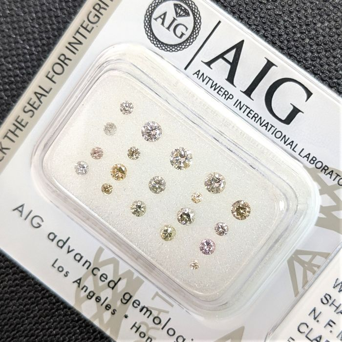 19 pcs Diamantes - 0.54 ct - Brillante - Fancy Mix Colors - I1, I2, I3 (piqué), SI1, SI2, SI3, VS1, VS2, VVS1, VVS2, No Reserve Price