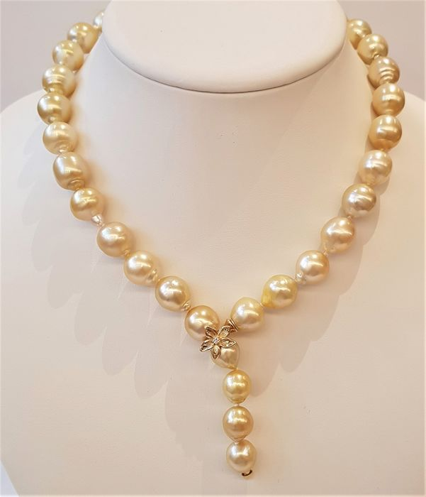 NO RESERVE PRICE - 14 kt. Yellow Gold - 9.5x13.5mm Golden South Sea Pearls - Necklace - 0.03 ct