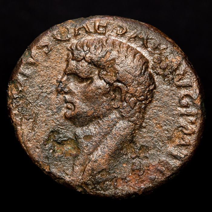 Rooman imperiumi - As - Claudius I (A.D. 41-54) Rome mint, AD 41-42. S - C. Minerva brandishing javelin and shield.  - Pronssi