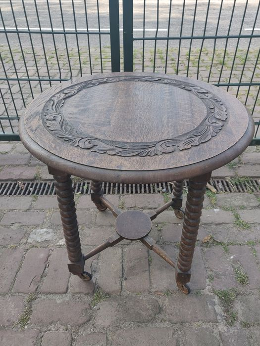 Side table, Fitted with twisted legs or so-called ' bobbin legs '. - oak