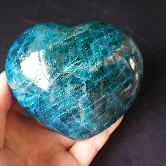 Apatite (mineral group) Heart - 82×71×39 mm - 373 g