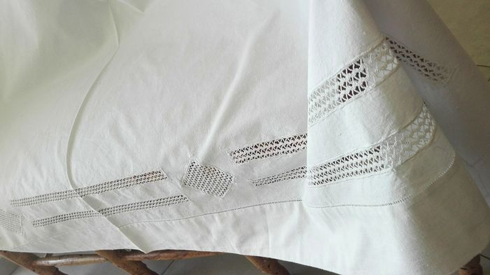 Fantastic manual lace sheet + embroidered pillowcase. - High quality thick cotton. Very soft and warm. - First half 20th century