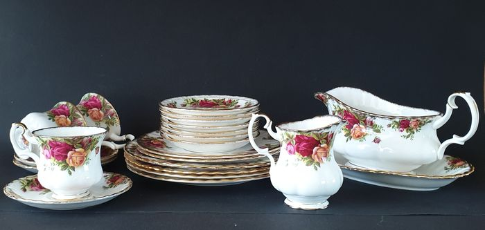 Royal Albert - Various crockery parts - Old Country Roses - Porcelain