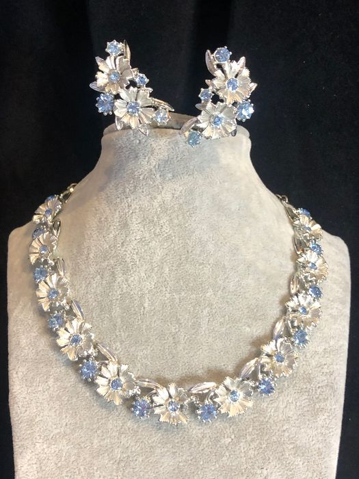 Silver plated  - Lisner necklace and earrings