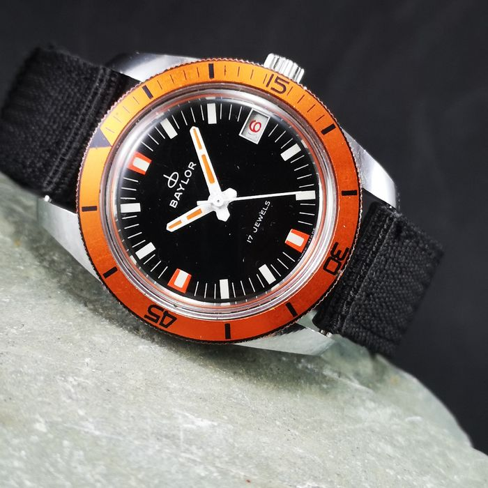 BAYLOR - Diver's Manual Wind Watch - Orange Bezel - Men - 1970-1979