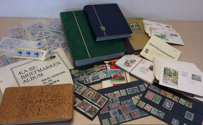 Austria - Collection in three stock books and loose material