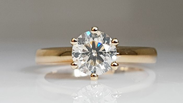 14 kt. Yellow gold - Ring - 1.01 ct Diamond - No Reserve