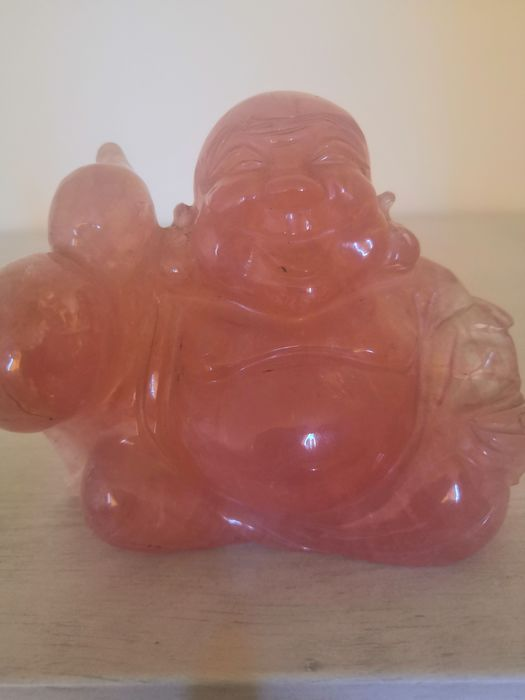 Hand carved (1) - Pink crystal stone - China - Late 20th century