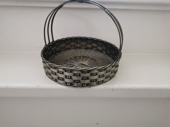 Silver plated serving basket with Art Deco style handle - Silver plated - Europe - Early 20th century
