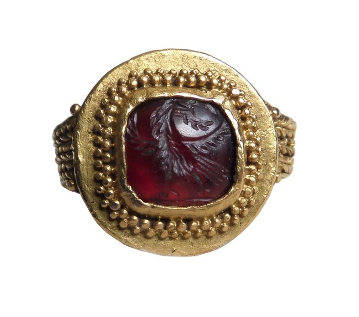 Ancient Roman Gold Intaglio Garnet ring with Aquila