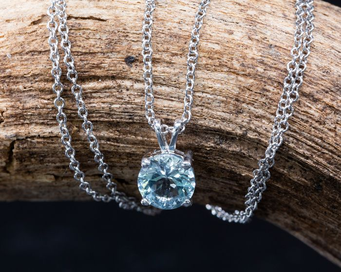 18 kt. White gold - Necklace with pendant - 0.53 ct Aquamarine - Light Blue - No Reserve Price