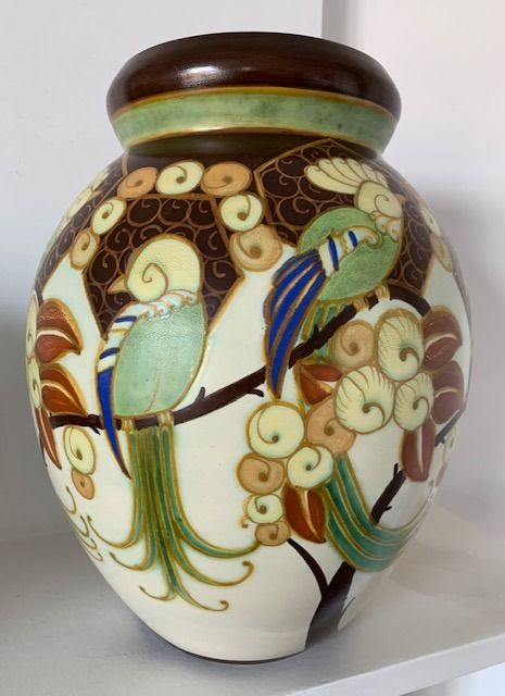 Charles Catteau - Boch Frères, Keramis - Large vase decorated with parakeets (1)