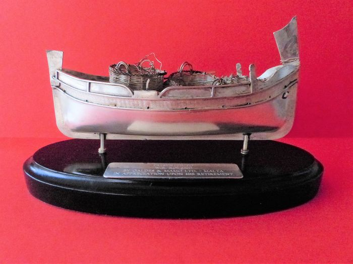 A Model of a Traditional Maltese Fishing Boat  - Silver, 925  - Second half 20th century