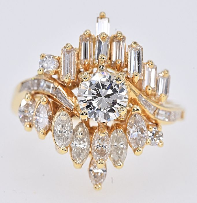 18 kt. Yellow gold - Ring - 3.11 ct Diamond