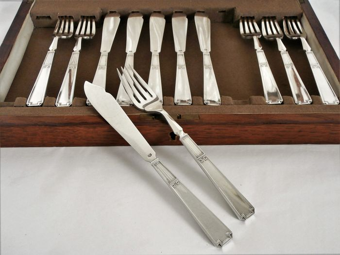 Samuel Roberts & Charles Belk - Art Deco silver-plated fish cutlery 6-person / 12-piece in wooden case