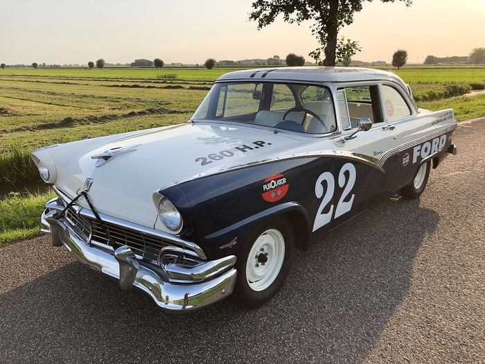Ford USA - Fairlane Coupe - NASCAR tribute Racewagen - 1956