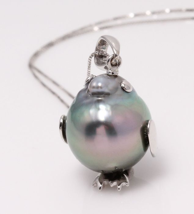 NO RESERVE PRICE - 18 kt. White Gold - 13mm Peacock Tahitian Pearl - Necklace with pendant